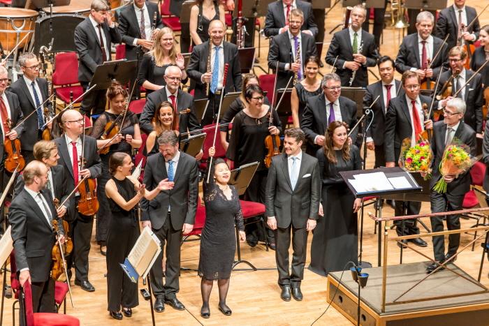 Ny dirigent utan taktpinne